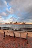 W centrum Manhattan linia horyzontu Zdjęcie Royalty Free