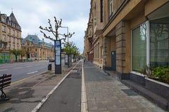 W centrum miasto, widok aleja De Los angeles Liberte Ja jest ulicą w Luksemburg mieście w południowym Luksemburg, Obrazy Stock