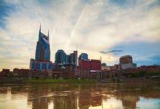 W centrum Nashville pejzaż miejski w wieczór Obrazy Stock