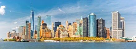 W centrum Nowy Jork linii horyzontu panorama zdjęcie stock