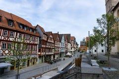 W centrum Ochsenfurt w Bavaria z ryglowymi domami fotografia royalty free