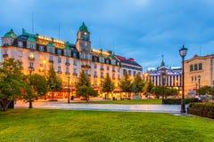 W centrum Oslo przy nocą zdjęcie royalty free