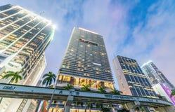 w centrum półmrok Miami Miasto budynki przeciw niebu obraz stock