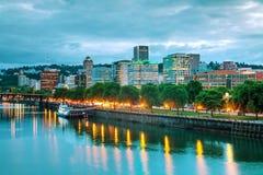 W centrum Portlandzki pejzaż miejski przy nighttime Obraz Royalty Free