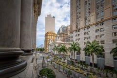 W centrum Rio De Janeiro widok od Rio De Janeiro Miejskiego Theatre - Rio De Janeiro, Brazylia zdjęcie stock