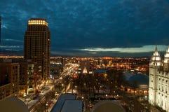 W centrum Salt Lake City Utah przy nocą obrazy stock