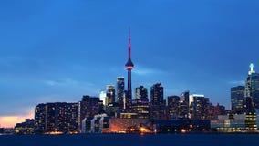 W centrum Toronto, Kanada przy zmierzchem zdjęcie stock