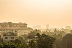 W centrum Yangon przy półmrokiem Fotografia Stock