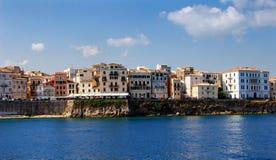 W Corfu miasteczku starzy budynki Fotografia Royalty Free