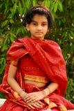 W czerwieni sukni indiańska dziewczyna Zdjęcia Royalty Free