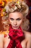 W czerwonych rękawiczkach piękna kobieta obrazy royalty free