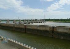 W D Mayo Lock och fördämning på den Arkansas River fördämning- och låssikten Fotografering för Bildbyråer