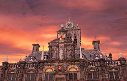 W Delft średniowieczny urząd miasta Zdjęcie Stock
