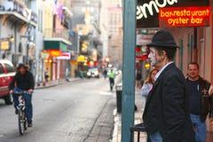 W Dzielnicie Francuskiej uliczny wykonawca, Nowy Orlean Obrazy Stock
