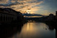 W Florencja rzeczny Arno Fotografia Stock