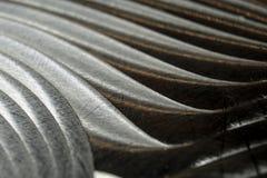 W górę przemysłowych realistycznych szarość barwi stali nierdzewnej płaską część w częściowej ostrości po przemysłowego CNC numer fotografia stock