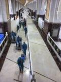w górę chodzących pracowników raźnie czysty saei Obrazy Stock