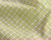 w górę kolor żółty w kratkę zamknięta tkanina Zdjęcia Stock