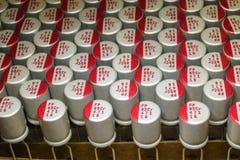 W górę makro- zakończenie wyrównywał polimerów elektrolitowych capacitors narzędzia elektroniki teletechnicznych składniki pakują zdjęcie stock