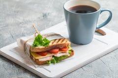 w górę szerokiego apertury kanapka zamknięta kawowa Fotografia Royalty Free