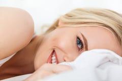 w górę widoku piękna blondynki dziewczyna obraz stock