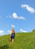 w górę wzgórza chodzącym Obraz Royalty Free