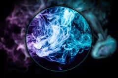 W górę zamarzniętego abstrakcjonistycznego ruchu wybuchu dym zdjęcia stock