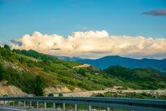 W górach jest wiatrowy gospodarstwo rolne Obraz Royalty Free