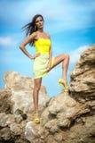 W górze modna kobieta Fotografia Stock