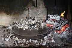 Węgiel drzewny rozognia dla piec na grillu Obraz Stock