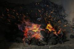 Węgiel drzewny rozognia dla piec na grillu Fotografia Royalty Free
