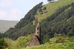 W Glendalough stary kościół Zdjęcia Stock