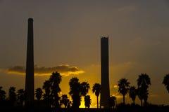 Węglowa elektrownia w zmierzchu Zdjęcie Stock