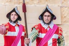W Guardia paradzie przy St. Jonh kawalerami w Birgu, Malta. Obraz Stock