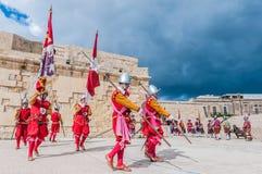 W Guardia paradzie przy St Jonh kawalerami w Birgu, Malta Obrazy Royalty Free