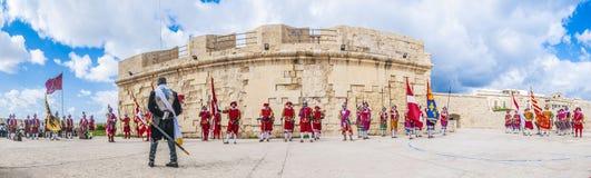 W Guardia paradzie przy St Jonh ` s kawalerami w Birgu, Malta Zdjęcia Royalty Free