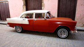 W Havana klasyczny Amerykański samochód. obrazy royalty free