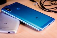w Hiszpanii Lipiec 10: Xiaomi smartphones, hełmofony i Yi 4k akci kamera, zdjęcie royalty free