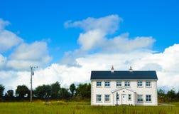 W Irlandia typowy dom Zdjęcie Stock