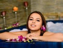 W jacuzzi piękna kobieta Fotografia Royalty Free