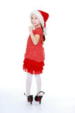W jej matka butach i czerwonej polki kropki sukni małej dziewczynce Obraz Stock