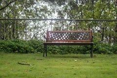 W jesień parkowa ławka Obraz Stock