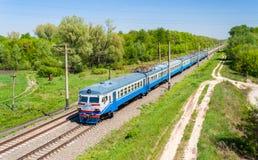 W Kijowskim regionie podmiejski elektryczny pociąg obrazy royalty free
