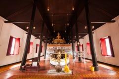 W kościół Buddha statua Obrazy Stock