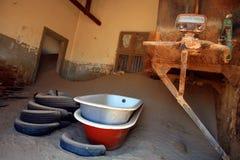 W Kolmanskop Ducha miasto Obrazy Royalty Free