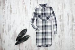 W kratkę koszula i liście klonowi modny pojęcie Zdjęcia Stock