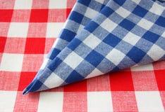 w kratkę tablecloth Zdjęcia Stock