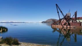 W krawędzi jeziorny Titicaca zdjęcie stock