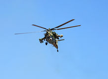 W locie bojowy helikopter Obrazy Stock