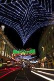 W Londyn Uliczni regentów Bożonarodzeniowe Światła Obraz Stock